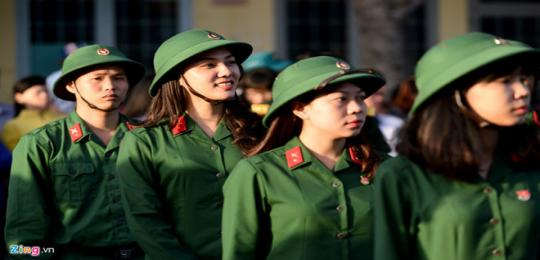 truong-quan-doi-dong-loat-tuyen-sinh-khoi-a1